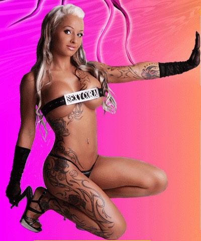 Sexy Cora (© sexycora.com)