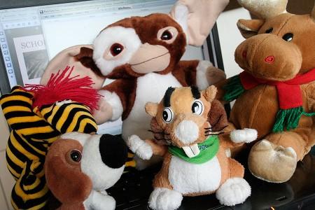 """Anti-AKW-Gisela-Perlsacktier (""""Hildi""""), Gremlin (""""Feivel""""), Rentier, """"The Dog""""-Beagle und """"Dentagard""""-Biber"""